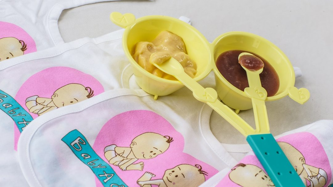 Our Top Tips for Starting Solids with Twins